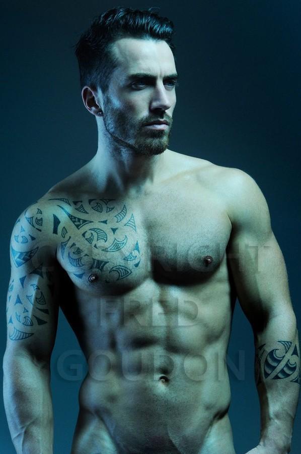 David Lerebourg model (modèle). Photoshoot of model David Lerebourg demonstrating Body Modeling.Body Modeling Photo #91575