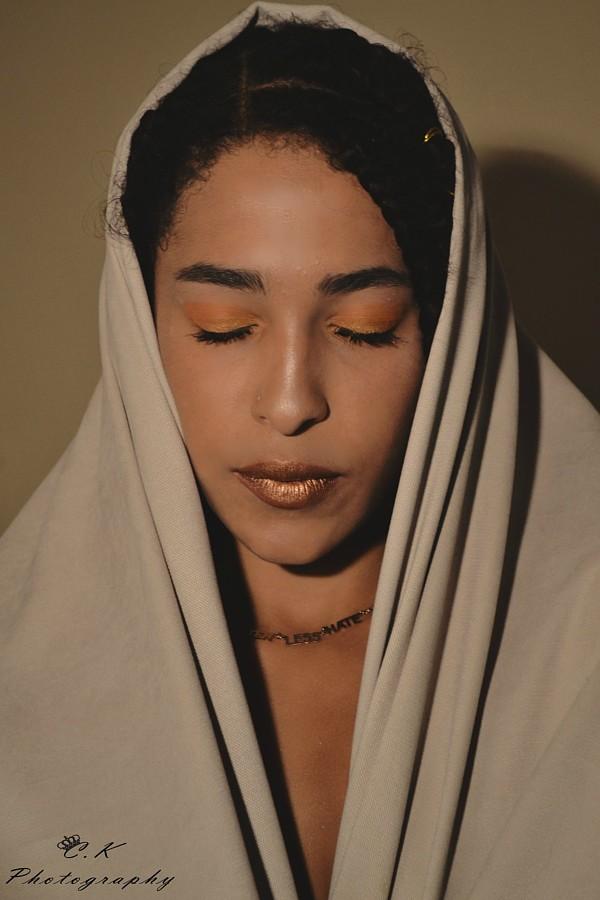 Demelza Okotzi Μοντέλο