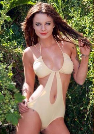 Demi Vesinger model. Photoshoot of model Demi Vesinger demonstrating Body Modeling.Body Modeling Photo #78405