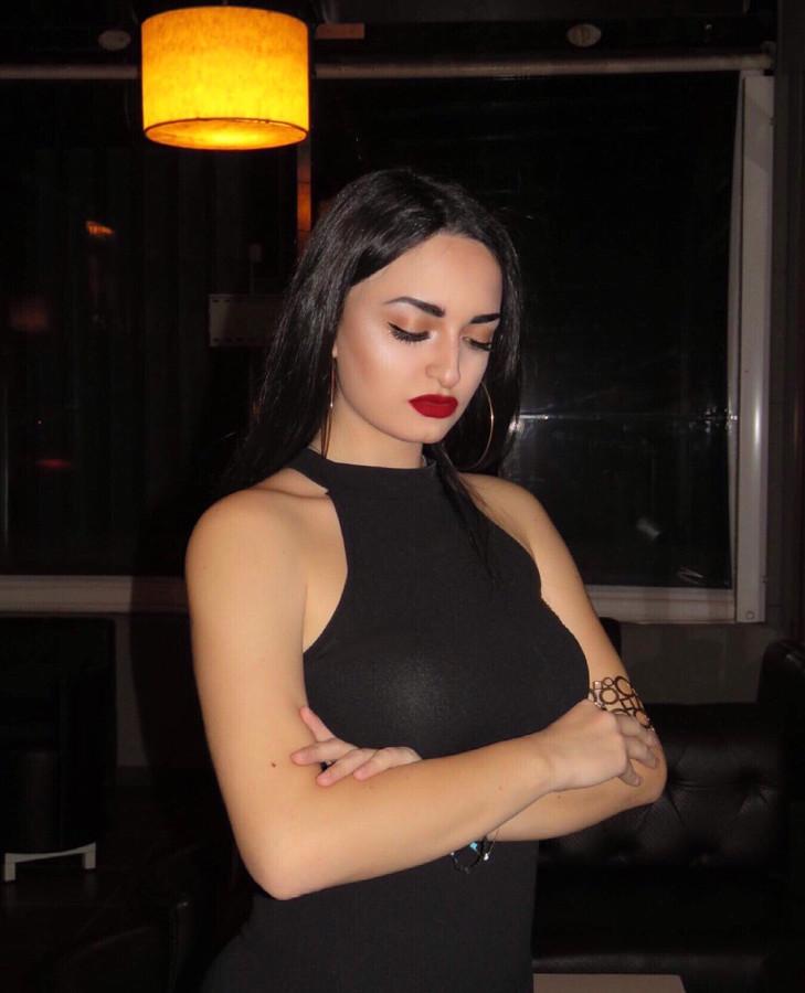 Despina Papachristou model (μοντέλο). Photoshoot of model Despina Papachristou demonstrating Face Modeling.Face Modeling Photo #204652