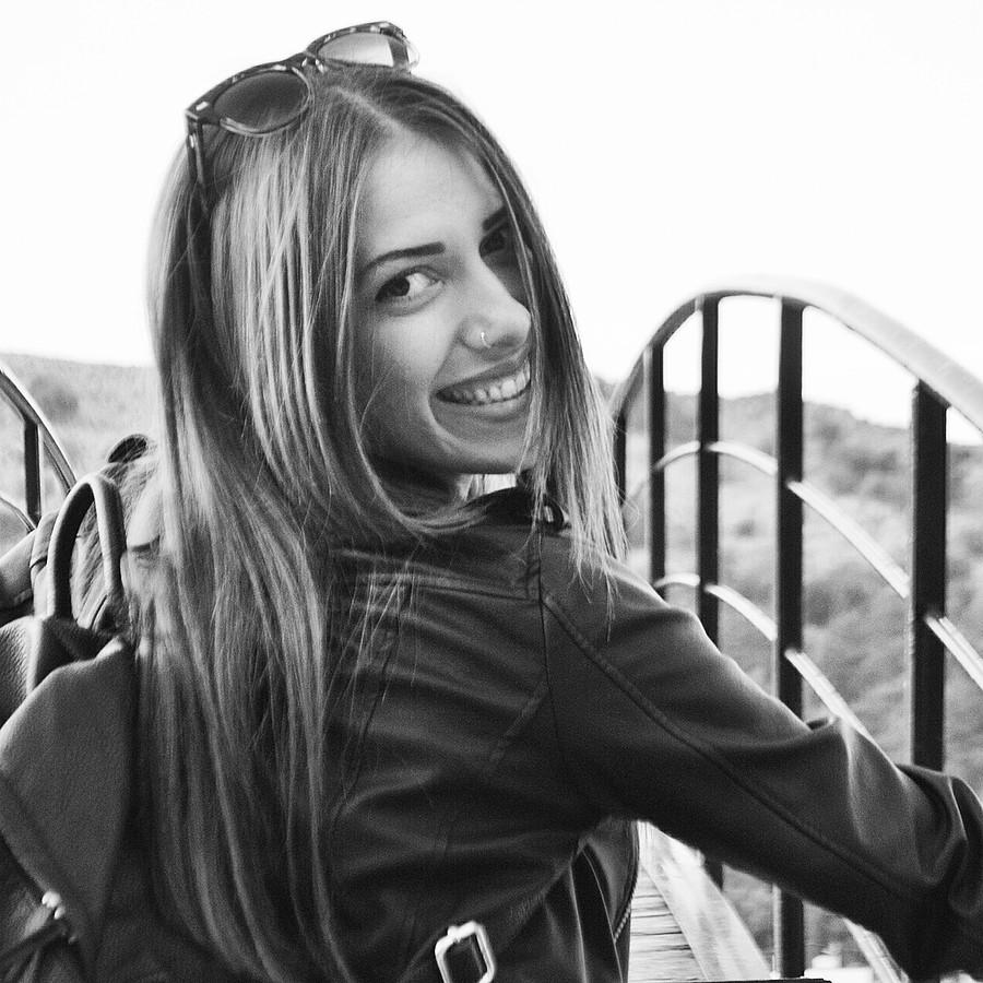 Dimitra Michala model (μοντέλο). Photoshoot of model Dimitra Michala demonstrating Face Modeling.Face Modeling Photo #178564