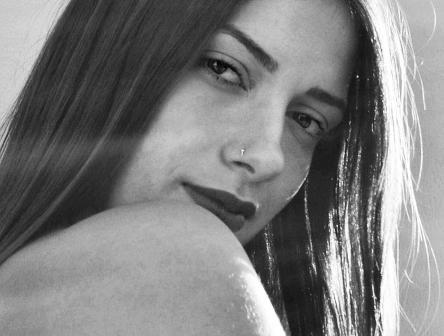 Dimitra Michala model (μοντέλο). Photoshoot of model Dimitra Michala demonstrating Face Modeling.Face Modeling Photo #205058