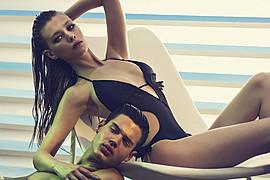 Ο Δημήτρης Σκούλος είναι ένας φωτογράφος μόδας με βάση την Αθήνα. Έχει εργαστεί για διεθνούς φήμης περιοδικά όπως ELLE, VOGUE, Bazaar Harper