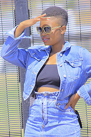 Dineo Gift Model