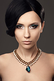 Dmitry Metkin photographer (Дмитрий Меткин фотограф). Work by photographer Dmitry Metkin demonstrating Portrait Photography.NecklacePortrait Photography Photo #93445