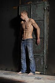 Dmytro Nakonechniuk model (модель). Photoshoot of model Dmytro Nakonechniuk demonstrating Body Modeling.Body Modeling Photo #74250