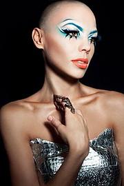 Dorka Banki model. Dorka Banki demonstrating Face Modeling, in a photoshoot by Bernadett Marki.photographer bernadett markiEyelash ExtensionsFace Modeling Photo #111816