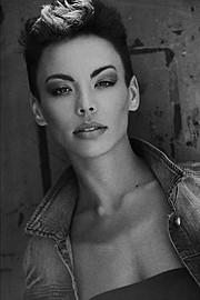 Dorka Banki model. Photoshoot of model Dorka Banki demonstrating Face Modeling.Face Modeling Photo #154094