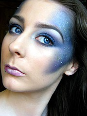 Eimear Byrne is makeup artist from Ireland. She is a fully qualified makeup artist and final year Business student, studying in Dublin Insti