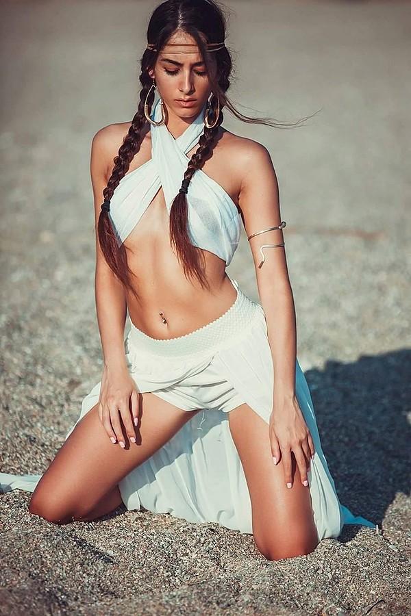 Eleftheria Sorwtou model (Ελευθερία Σορώτου μοντέλο). Eleftheria Sorwtou demonstrating Fashion Modeling, in a photoshoot by Tasos Anestis.Fashion Modeling Photo #177565