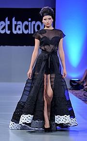 Elena Kollarova is a model originally from Cherven Bryag, Bulgaria but now resides in Boston, MA. She has been the winner of Miss Bulgarka 2