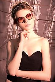 Elena Smirnova model (modèle). Photoshoot of model Elena Smirnova demonstrating Face Modeling.EyewearFace Modeling Photo #193863