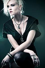 Elin Flodin model. Photoshoot of model Elin Flodin demonstrating Face Modeling.Face Modeling Photo #112996