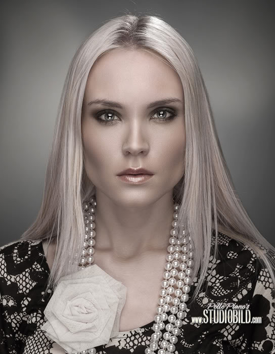 Elin Flodin model. Photoshoot of model Elin Flodin demonstrating Face Modeling.Face Modeling Photo #113005