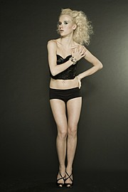 Elina Leskinen model. Elina Leskinen demonstrating Fashion Modeling, in a photoshoot by Sami Vaskola.Photographer: Sami VaskolaFashion Modeling Photo #97088