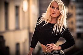 Elina Leskinen model. Photoshoot of model Elina Leskinen demonstrating Face Modeling.Face Modeling Photo #97093