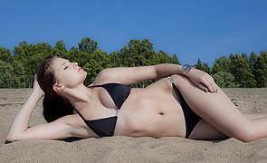 Elisa Korpela model. Elisa Korpela demonstrating Body Modeling, in a photoshoot by Tuomo Niemi.Photographer: Tuomo NiemiBody Modeling Photo #98322