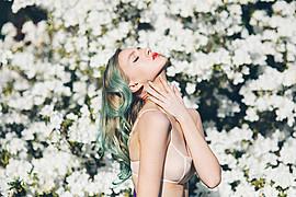 Elke Bonner model. Photoshoot of model Elke Bonner demonstrating Face Modeling.Face Modeling Photo #93395