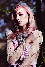 Elke Bonner model. Photoshoot of model Elke Bonner demonstrating Face Modeling.Face Modeling Photo #93403
