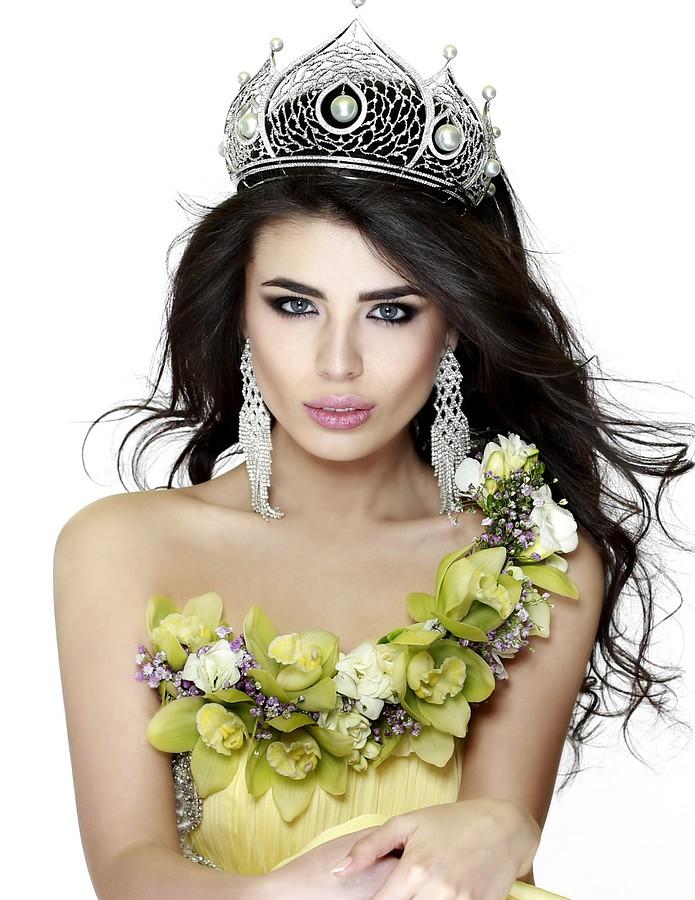 Elmira Abdrazakova model (Эльмира Абдразакова модель). Photoshoot of model Elmira Abdrazakova demonstrating Face Modeling.Face Modeling Photo #81980