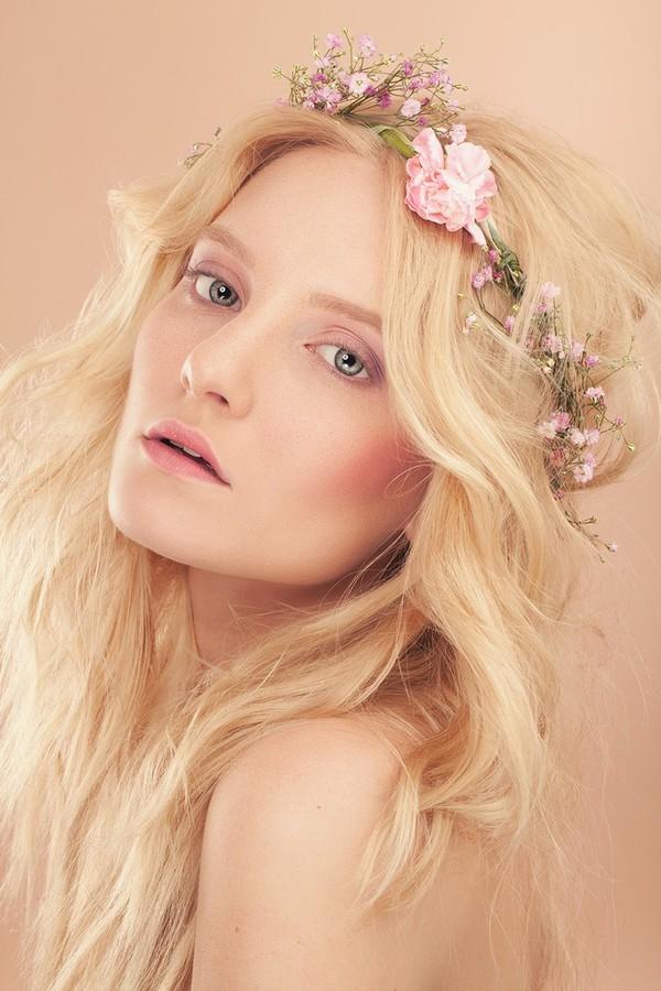 Elodie Sevaux makeup artist & model (maquilleur & modèle). Work by makeup artist Elodie Sevaux demonstrating Beauty Makeup.Beauty Makeup Photo #73242