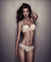 Emelie Stenman model. Photoshoot of model Emelie Stenman demonstrating Body Modeling.Body Modeling Photo #113733