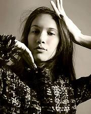 Emily Tsar model (μοντέλο). Photoshoot of model Emily Tsar demonstrating Face Modeling.Face Modeling Photo #188234