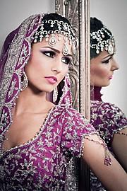 Emma Singh model. Photoshoot of model Emma Singh demonstrating Face Modeling.Face Modeling Photo #55213
