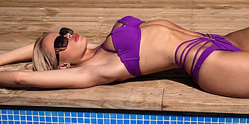Erica Chloe model. Photoshoot of model Erica Chloe demonstrating Body Modeling.Body Modeling Photo #109704