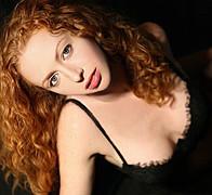 Erika Lucas model. Photoshoot of model Erika Lucas demonstrating Face Modeling.Face Modeling Photo #70335