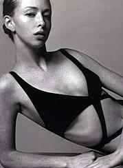 Erika Lucas model. Photoshoot of model Erika Lucas demonstrating Body Modeling.Vogue HellasBody Modeling Photo #70338