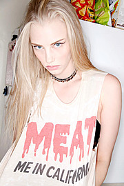 Erika Myrvik model. Photoshoot of model Erika Myrvik demonstrating Face Modeling.Face Modeling Photo #118077
