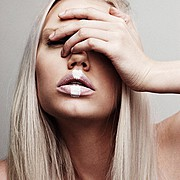 Erika Myrvik model. Photoshoot of model Erika Myrvik demonstrating Face Modeling.Face Modeling Photo #148744