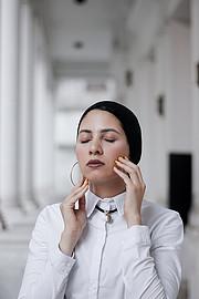 Esraa Yahia model. Photoshoot of model Esraa Yahia demonstrating Face Modeling.Face Modeling Photo #231912