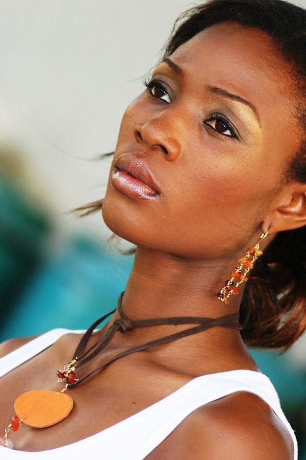 Esther Christopher model. Photoshoot of model Esther Christopher demonstrating Face Modeling.Face Modeling Photo #68554