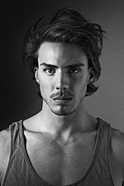 Etther Zag model (modèle). Photoshoot of model Etther Zag demonstrating Face Modeling.Face Modeling Photo #109105