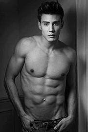 Etther Zag model (modèle). Photoshoot of model Etther Zag demonstrating Body Modeling.Body Modeling Photo #109121