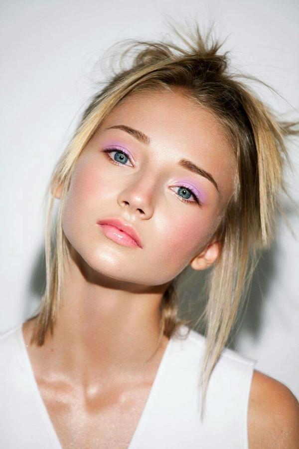 Eva Aman Model