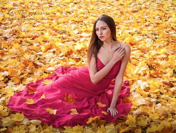 Evgeni Filatov photographer (Евгений Филатов фотограф). Work by photographer Evgeni Filatov demonstrating Fashion Photography.Long A Line DressFashion Photography Photo #58445