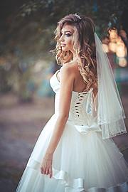 Evgeniy Maynagashev photographer (Евгений Майнагашев фотограф). Work by photographer Evgeniy Maynagashev demonstrating Wedding Photography.Wedding GownWedding Photography Photo #84427