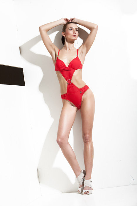Ewa Paczkowska model & makeup artist. Ewa Paczkowska demonstrating Fashion Modeling, in a photoshoot by Adrian Crook.Photographer: Adrian CrookFashion Modeling Photo #129242