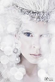 Fanny Muller (Müller Fanny) model. Photoshoot of model Fanny Muller demonstrating Face Modeling.Face Modeling Photo #75654