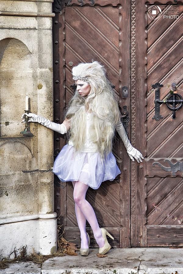 Fanny Muller (Müller Fanny) model. Photoshoot of model Fanny Muller demonstrating Editorial Modeling.Editorial Modeling Photo #75659