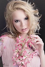 Fanny Muller (Müller Fanny) model. Photoshoot of model Fanny Muller demonstrating Face Modeling.Face Modeling Photo #75663