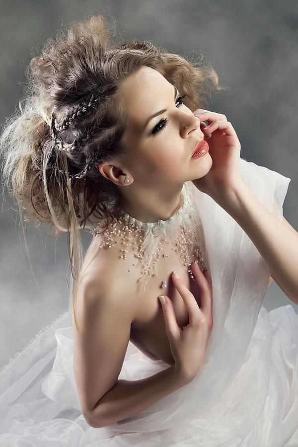 Fanny Muller (Müller Fanny) model. Photoshoot of model Fanny Muller demonstrating Face Modeling.Face Modeling Photo #75664