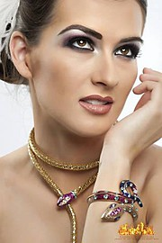 Farah Quadri makeup artist. Work by makeup artist Farah Quadri demonstrating Beauty Makeup.Portrait Photography,Beauty Makeup Photo #59935