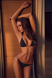 Fedor Shmidt photographer (фотограф). Work by photographer Fedor Shmidt demonstrating Body Photography in a photo-session with the model Galinka Mirgaeva.model: Galinka MirgaevaBody Photography Photo #169359