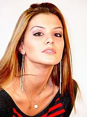 Floriana Garo model (modele). Photoshoot of model Floriana Garo demonstrating Face Modeling.Face Modeling Photo #116798
