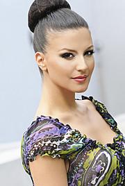 Floriana Garo model (modele). Photoshoot of model Floriana Garo demonstrating Face Modeling.Face Modeling Photo #58800