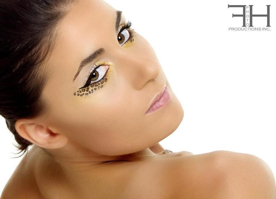 Florina Ursache makeup artist. Work by makeup artist Florina Ursache demonstrating Beauty Makeup.Portrait Photography,Beauty Makeup Photo #59976